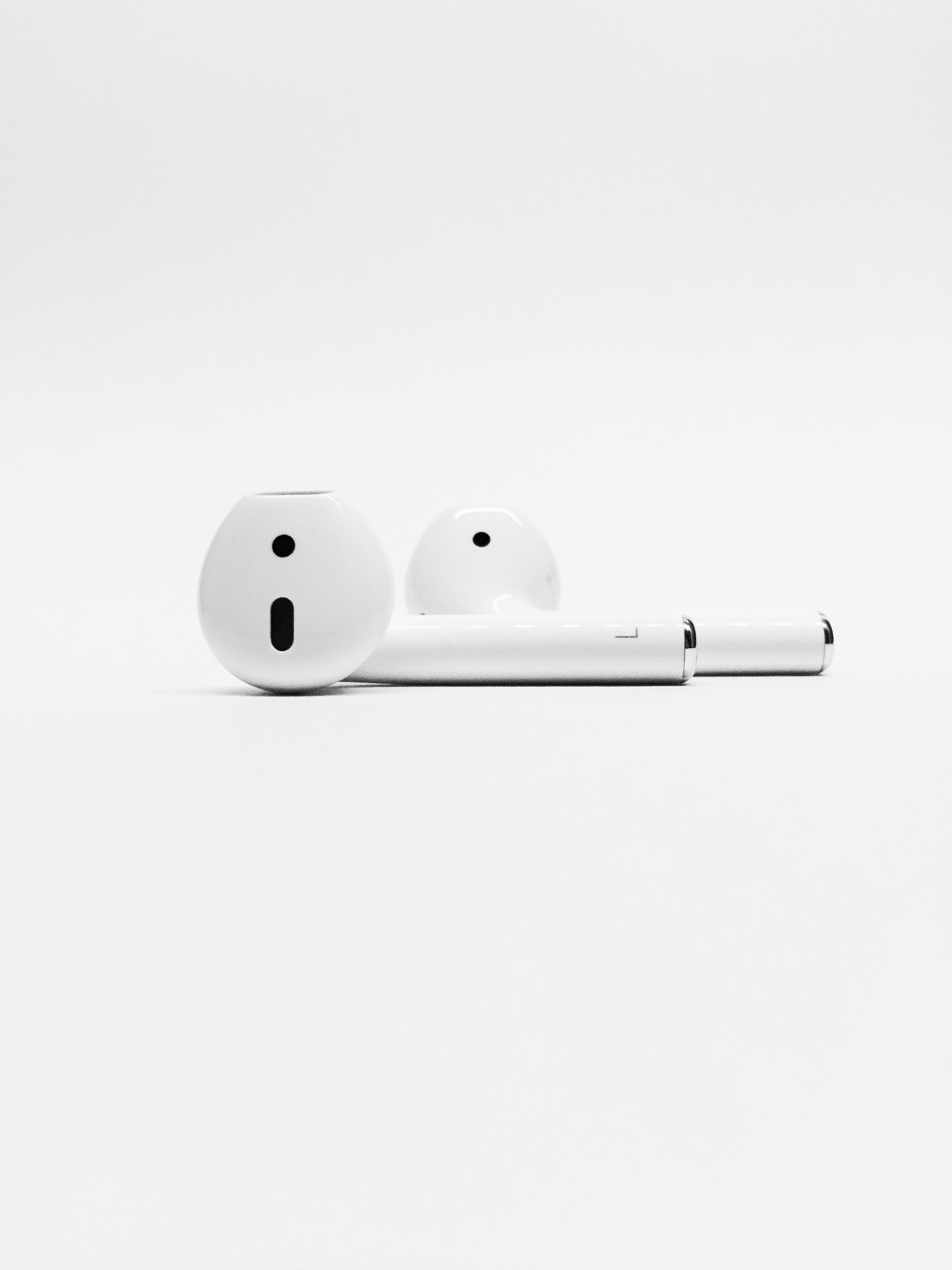 Apple AirPods Takeover Market