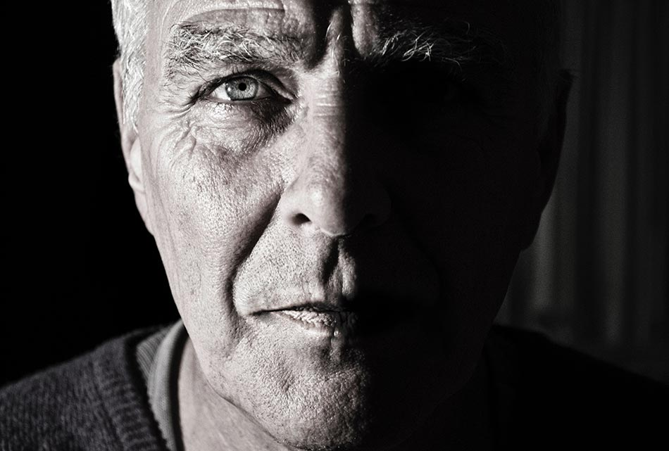 Early Detection of Dementia by Observing the Eyes