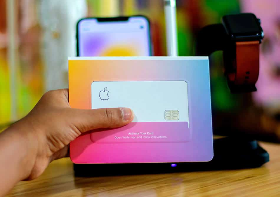 Apple Partners With MasterCard For Glitzy Titanium-Made Credit Card With Major Flaws