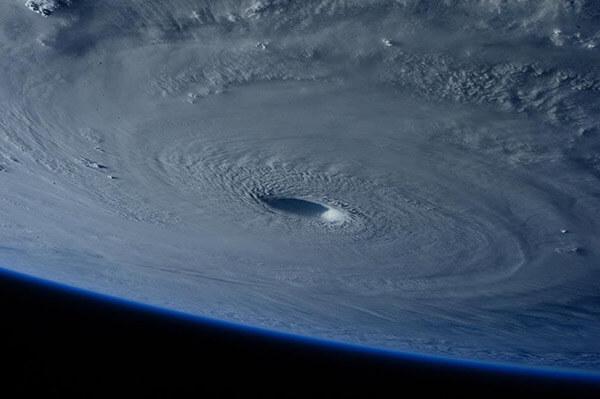 Oil Plunges as Hurricane Dorian Creeps Closer