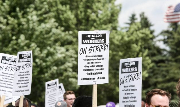 Transparency Now: Amazon Workers Take to Slack to Protest Vague Performance Reviews